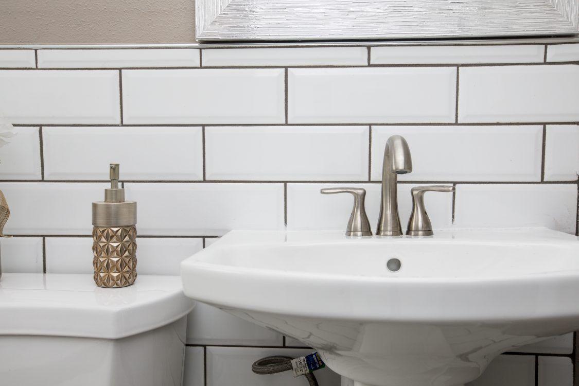 Comment Nettoyer Evier Resine Blanc les astuces pour le bon entretien de votre plomberie et de
